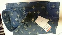 UNIQLOユニクロMサイズ薄いブルーデニムプリントシャツ新品タグ付きです。