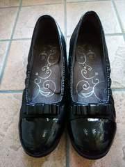 中古リボン付きTOPAZ1回のみ使用靴