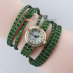 新品びっしりラインストーン多重巻きブレスレット腕時計グリーン緑レディース