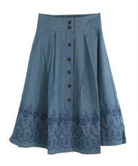【axes femme】裾刺繍デニムスカート
