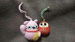 手編みのあみぐるみ、招き猫とダルマさん