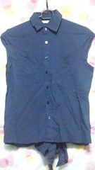 美品 綿100%袖無しシャツ(ブラウス)ウエストリボン結び(M)ネイビー
