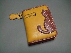 【即決 激安】可愛らしい〜猫ちゃん2つ折財布 新品 黄系