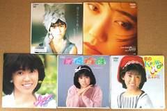 松本伊代・シングルレコード5枚(特典付き)