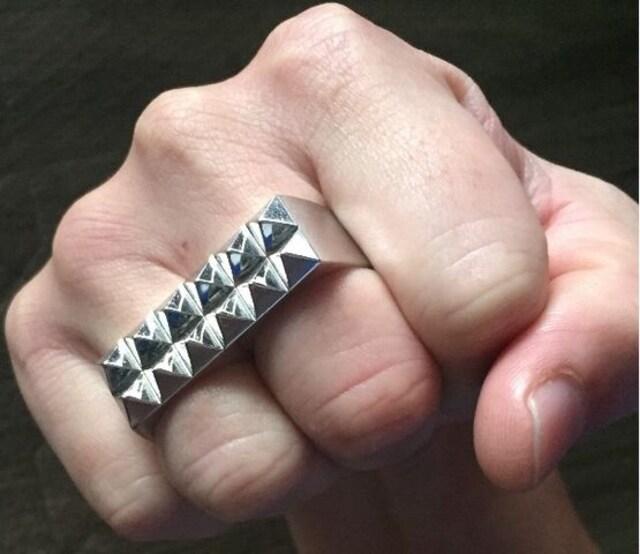 《スワッガー》指輪 フェノメノン ナイトレイド ガルニ STUSSY  < ブランドの