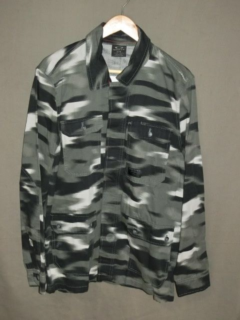 USA購入【Oakley】黒灰迷彩 綿100%【DawnShacket Jacket】US L  < ブランドの