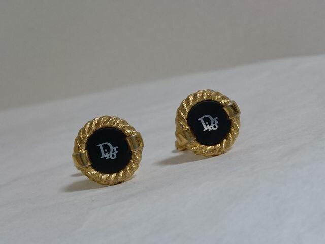 正規レア ディオール Diorロゴヴィンテージラウンドカフス 金×黒 オーバルチェーンボタン  < ブランドの