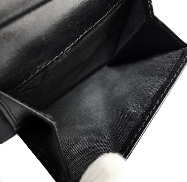正規ディオールオム2つ折り財布型押しレザーカーフエンボ < ブランドの