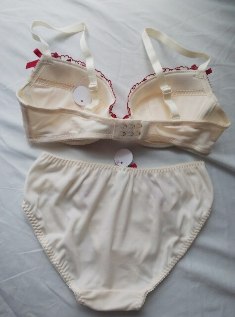 D70/M★刺繍★セクシーブラショー★ホワイト★ < 女性ファッションの