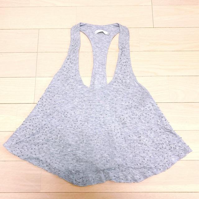 トップグレークリアビーズとろみタンクトップフレア灰色透明刺繍 < 女性ファッションの