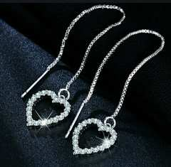 送料無料◆Long Tassel crystal HEART pierce