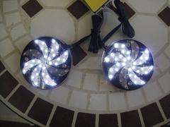 汎用 回転 クルクル 回る 多パターン LED 白 12V車用