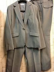 新品☆19号3Lグレーストライプ2パンツスーツ仕事オフィスにj756