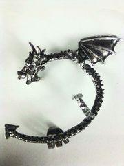 格好いい(^O^)ドラゴンイヤーカフ片耳用