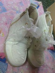 RONIレース調ホワイト靴美品