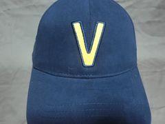 バンズ【VANS】  【V】ロゴ刺繍入り キャップ ネイビー