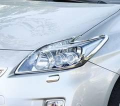 トヨタ メッキヘッドライトリング プリウス ZVW30