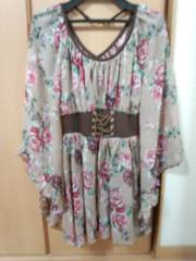 CECIL McBEE!!花柄シフォン新品トップス