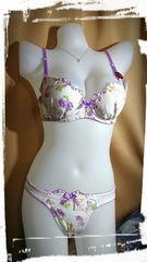 C70/M 白に紫のお花ブラジャーショーツセット ホワイト パープル パンティー