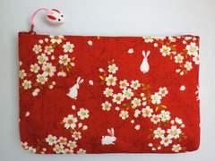 和小物 和柄平ポーチ(お化粧・コスメ・小物入れ)桜うさぎ赤