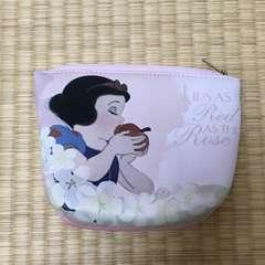 ディズニー・白雪姫柄台形ポーチ。