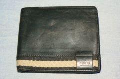 グッチ(GUCCI) 本革 二つ折り財布 710678CF100B6