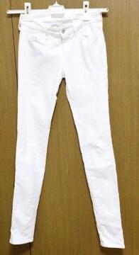 MЯ】�@ユニクロスキニーデニム 22サイズ 白 ホワイト