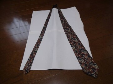 ANGELIのネクタイ 絹100% 日本製!。