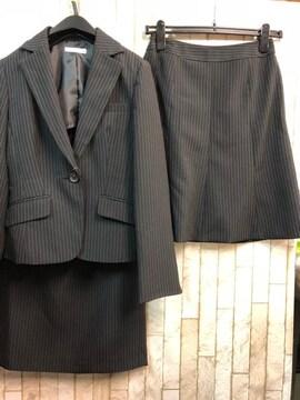 新品☆7号スーツ黒ストライプ2種スカート付お仕事に♪☆s522