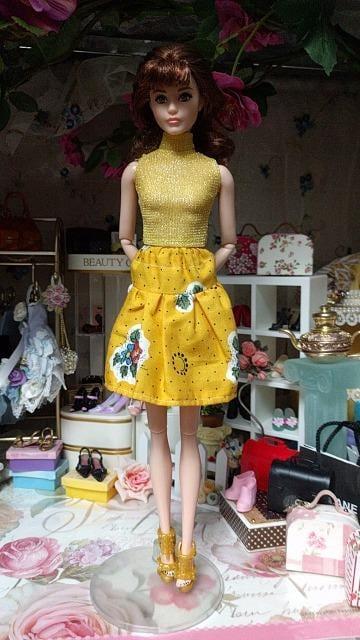 ジェニー、バービー、リカちゃんのスカート < おもちゃの