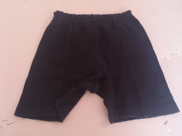 80 K-ins1st 黒の短パンツ