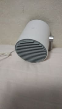 小型置き型扇風機、白