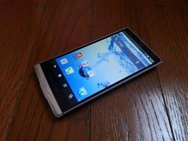 特価品!!美中古品 SH-09D AQUOS PHONE ZETA ホワイト LTE Xi  < 家電/AVの