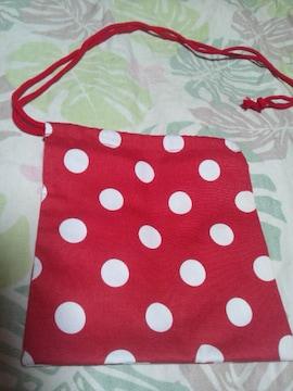 ☆新品赤×白ドット大柄ナナメ掛巾着袋